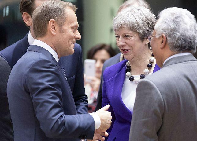 Tak pięknie wstawali z kolan. Zwolennicy Brexitu narobili bałaganu i uciekają z pola walki