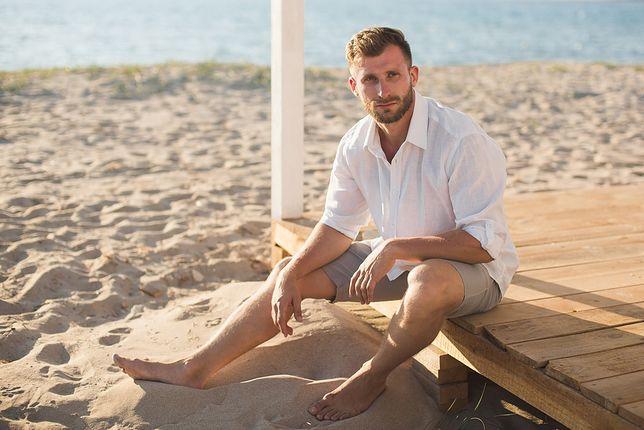 Praktyczne szorty sprawdzą się na plaży i spotkaniach ze znajomymi