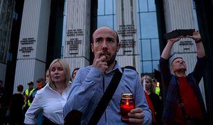 Borys Budka na manifestacji przed Sądem Najwyższym