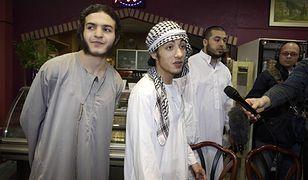 Członkowie radykalnej islamskiej organizacji Szariat dla Holandii (Sharia4Holland) podczas protestu w brukselskiej dzielnicy Molenbeek-Saint-Jean, 1 czerwca 2012 r.