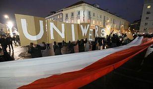 Setki studentów na ulicach. Protest przeciwko rządowi