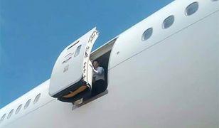 Stewardessa wypadła z samolotu linii Emirates. Nie żyje