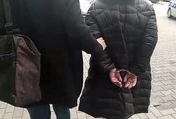 Marki. Pijana matka czwórki dzieci rzuciła się z nożem na policjanta