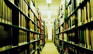 Dzięki darczyńcom biblioteka odbudowała po pożarze swój księgozbiór