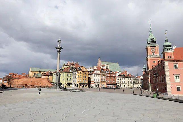 Warszawa. Piątek będzie bardzo ciepły, mogą jednak pojawić się burze.