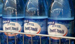 Firma Żywiec Zdrój: obce substancje wykryto tylko w jednej butelce wody