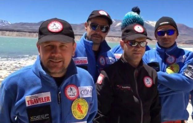 Ekipa MedExpedition przy Lake Nevado Tres Cruces Norte