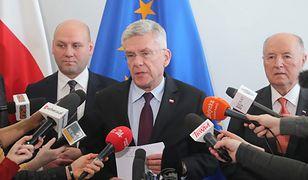 Wicemarszałek Senatu Stanisław Karczewski (w środku)