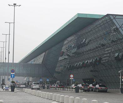 Kraków. Zatrzymanie na lotnisku Balice