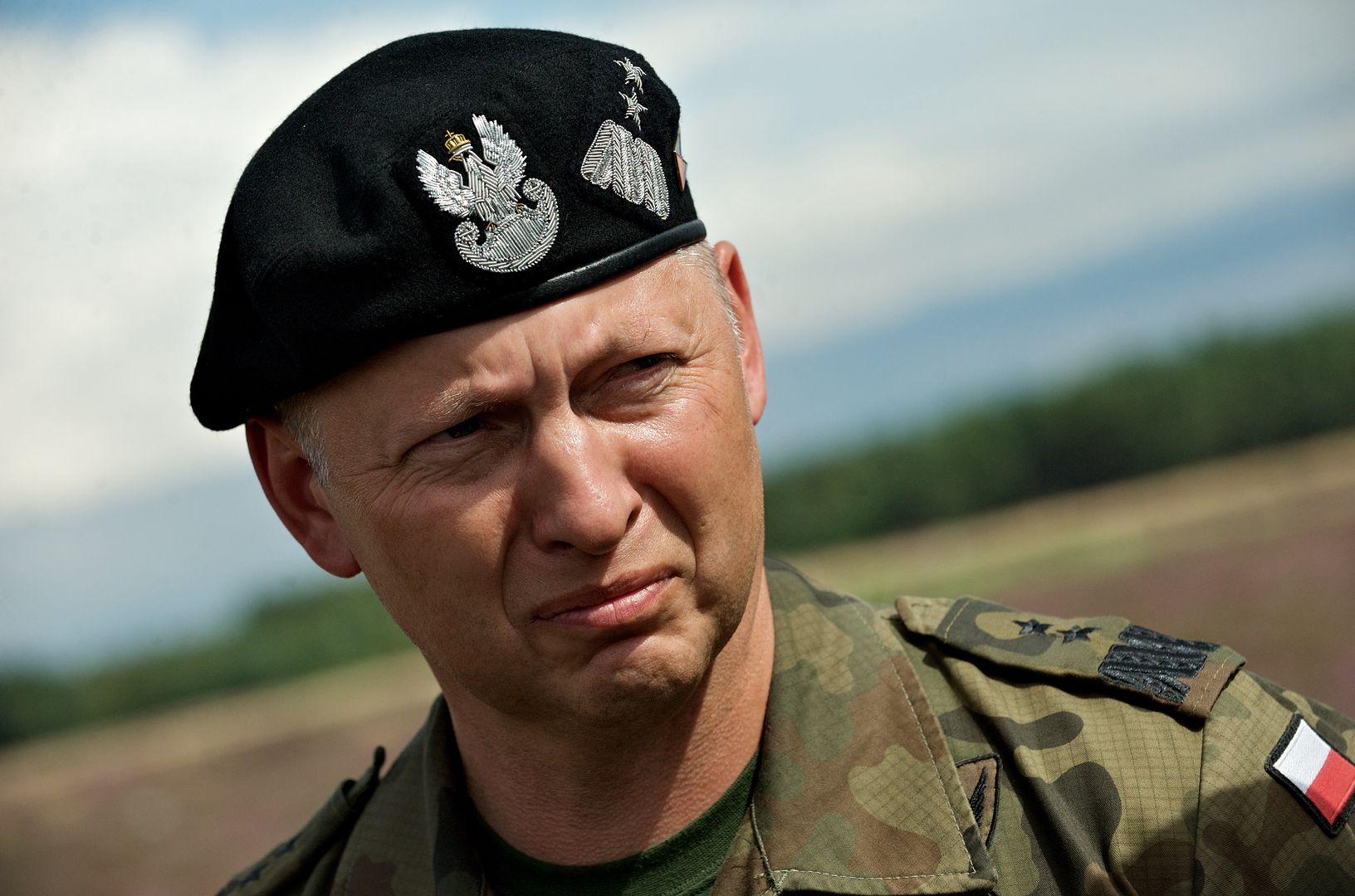 Stan wyjątkowy przy granicy. Gen. Różański uderza w Kaczyńskiego
