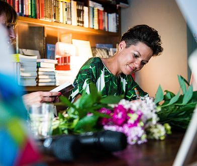 Joanna Kocik jest dziennikarką Wirtualnej Polski, pisarką, i blogerką