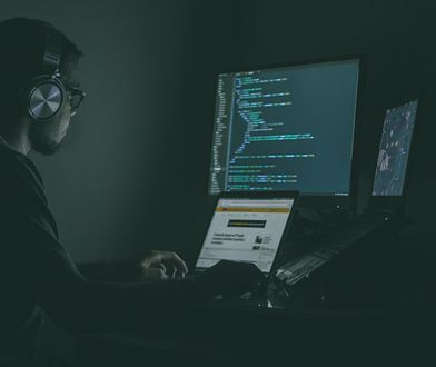 Haker okradał konta. Grozi mu 10 lat więzienia