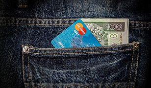 Do puszki dorzucisz się... kartą płatniczą