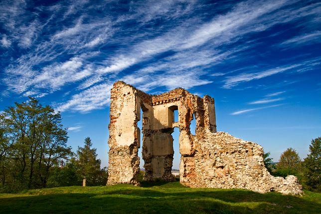 Rewitalizacja czeka wzgórze zamkowe z ruinami Pałacu Biskupów Krakowskich w Bodzentynie