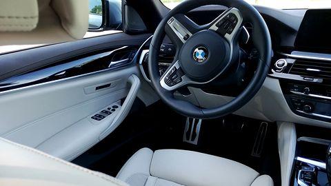 Autonomiczne samochody bez człowieka w środku, wystarczy zdalny nadzór
