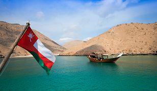 Rejsy wzdłuż wybrzeża Omanu to popularna atrakcja turystyczna