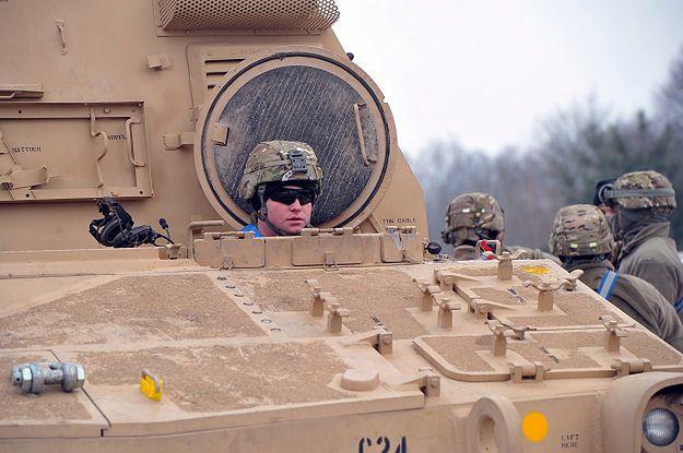 """Oszukują kobiety """"na amerykańskiego żołnierza"""""""