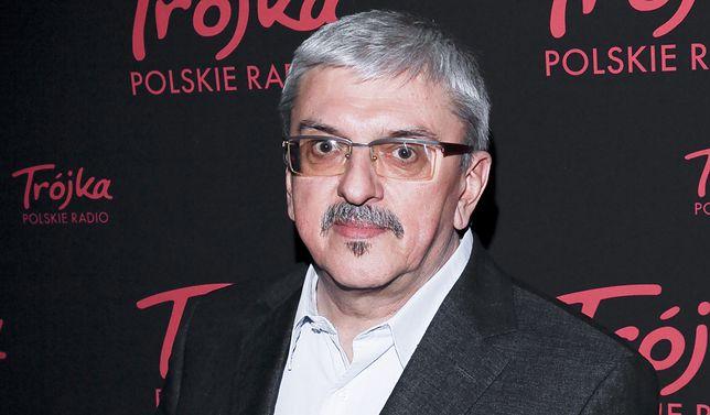 To Marek Niedźwiecki zapowiedział w Polskim Topie Radia 357 piosenkę Kazika, która pogrzebała dawną, radiową Trójkę