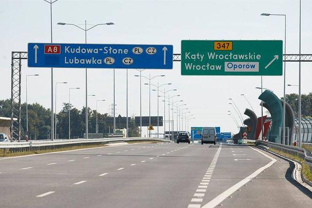 GDDKiA zdecydowała o wprowadzeniu nowego ograniczenia prędkości na AOW. Na trasie będzie też funkcjonował odcinkowy pomiar prędkości.