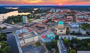 Urzekające miasto blisko Polski. Zaskakuje na każdym kroku