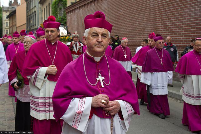 Biskup Jan Szkodoń zaprzecza oskarżeniom