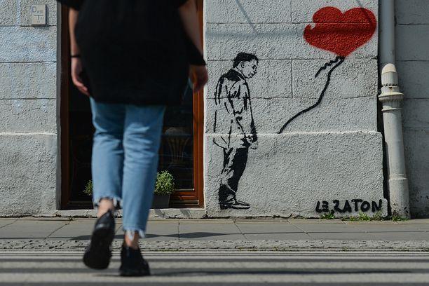 Jarosław Kaczyński na muralu w Krakowie (Photo by Artur Widak/NurPhoto via Getty Images)
