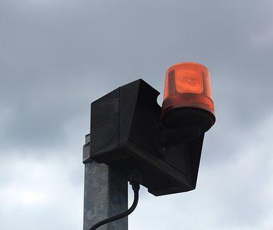 Syreny alarmowe słychać w całym kraju. Co to oznacza?