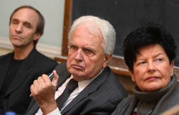 Politolog Jerzy Wiatr i eurodeputowana Joanna Senyszyn