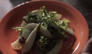 Sałatka z gruszką i melonem. Lekka kolacja w kilka chwil