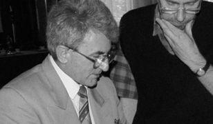 """Feliks Dela podczas """"powodzi tysiąclecia"""" w 1997 roku"""
