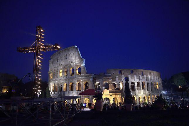 Polacy będą nieść krzyż podczas papieskiej Drogi Krzyżowej