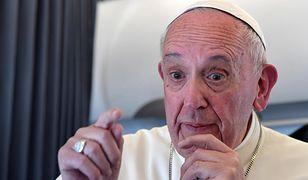 Papież: porozmawiam z Trumpem i wtedy go ocenię
