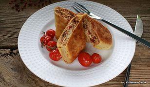 Naleśniki z białym serem i pomidorami suszonymi