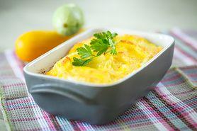 Zapiekanka ziemniaczana w proszku przygotowana z dodatkiem wody, mleka pełnotłustego i masła
