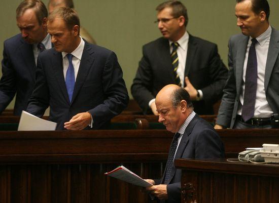 PiS znów goni Platformę Obywatelską