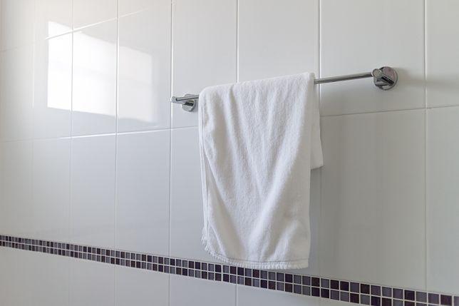 Jak prać ręczniki? Ważna jest temperatura, w której to robimy