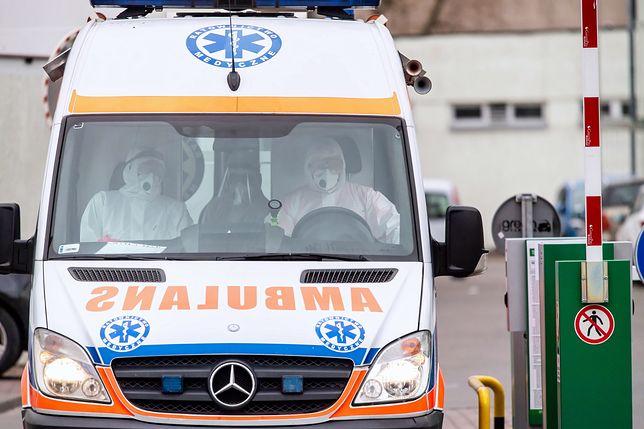 Koronawirus w Polsce. Zwrot akcji ws. zwolnionej ratowniczki pogotowia