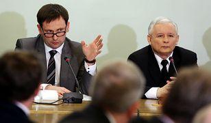 Daniel Obajtek (z lewej)podczas posiedzenia zespołu parlamentarnego