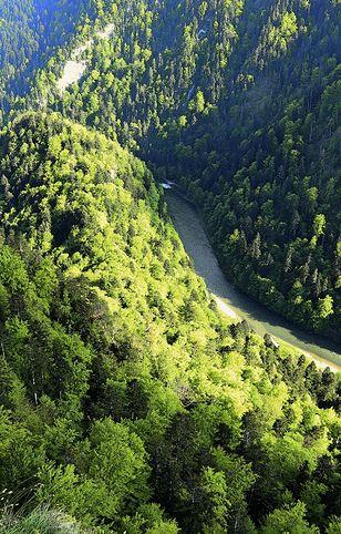 Główną atrakcją Szczawnicy jest spływ przełomem Dunajca. Ale w okolicy jest masa malowniczych szlaków