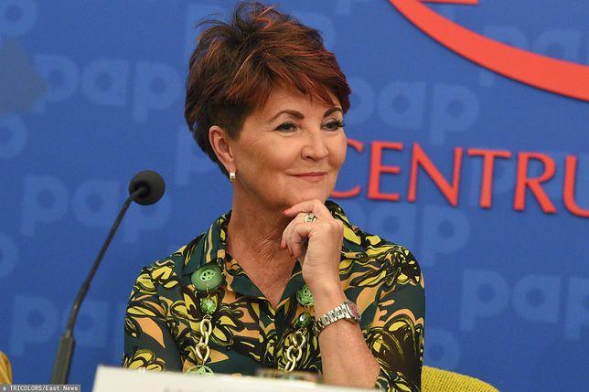 Jolanta Kwaśniewska w zamszowych botkach