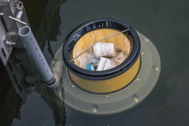Seabin zbiera pływające w wodzie śmieci