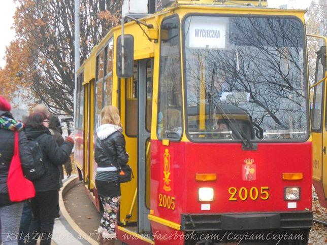 """""""Książek od Metra"""" w tramwaju! (wideo i dużo zdjęć!)"""