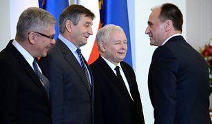 Od lewej: Stanisław Karczewski, Marek Kuchciński, prezes PiS Jarosław Kaczyński i Paweł Kukiz