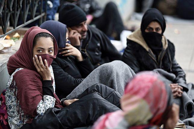 Sprawa uchodźców jest trudna moralnie. Rząd może zmienić retorykę
