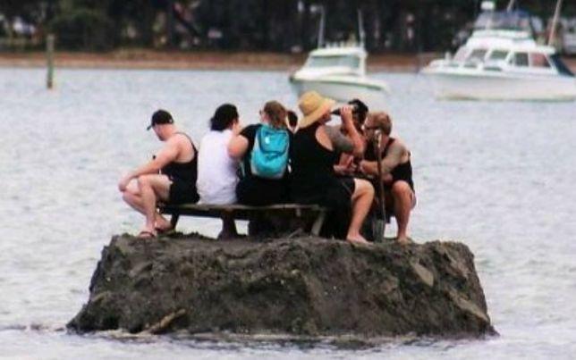 Zakaz spożywania alkoholu zdenerwował mieszkańców. Aby go ominąć wybudowali własną wyspę