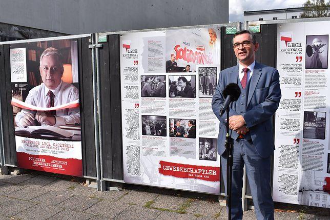 Przetarg na budowę ambasady RP w Berlinie rozstrzygnięty. Dziś w tym miejscu znajduje się tylko płot, na którym dyplomaci organizują wystawy o Polsce.