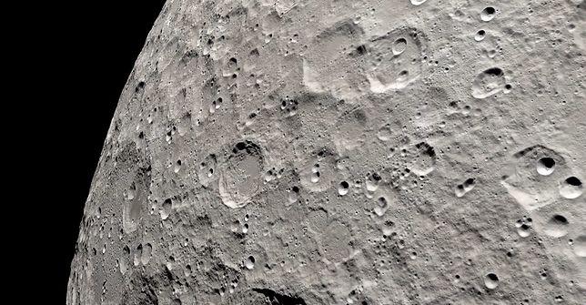 """Księżyc nie jest """"martwy"""". Odkrycie z udziałem NASA. Naukowcy ujawniają wyniki badań"""