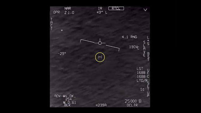 Screen z filmu o ufo