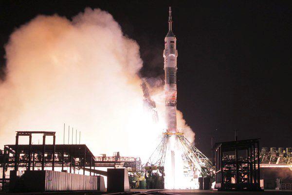 Start Sojuza TMA-15M
