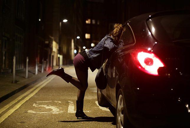 Większość ofiar handlu ludźmi zmuszana jest do prostytucji.